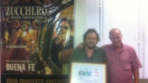 Zucchero honorary member of the Association of Cuban artists