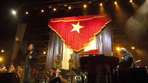 Over 70.000 people at concert in Havana! Pictures and press coverage
